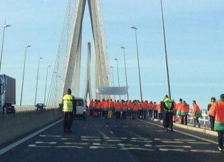 Les chasseurs réunis samedi 10 février sur le pont de Normandie pour manifester à nouveau