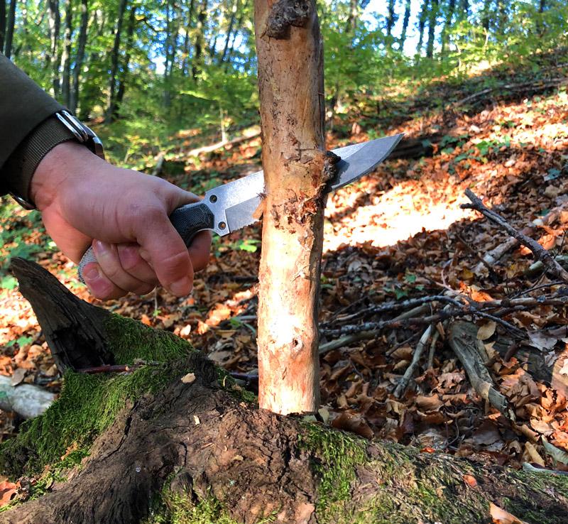 Amateur de bushcraft, Beber Wild a testé le couteau dans de nombreuses situation