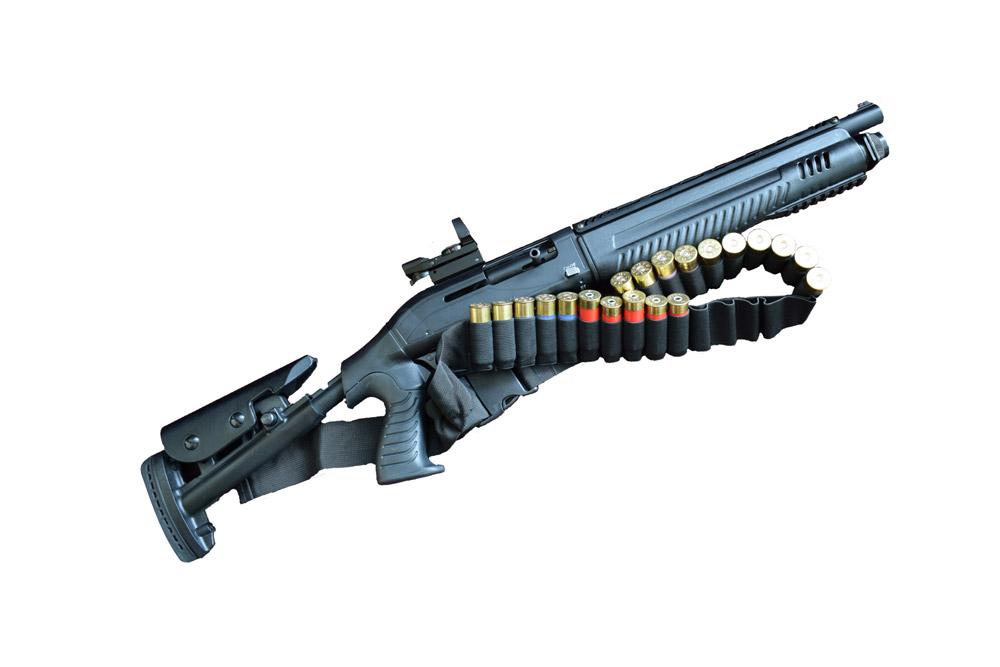 Le calibre 12 ce décline en d'innombrables versions, à l'image de ce fusil tactique